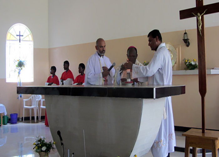 Osia-Church-blessing_uganda.jpg